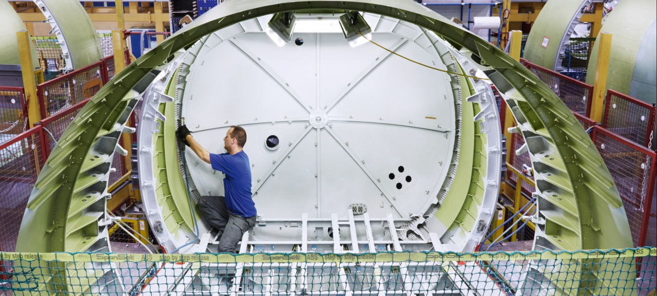 RUAG Aerostructures: Drilling close tolerance rivet holes in an Airbus A320 fuselage section