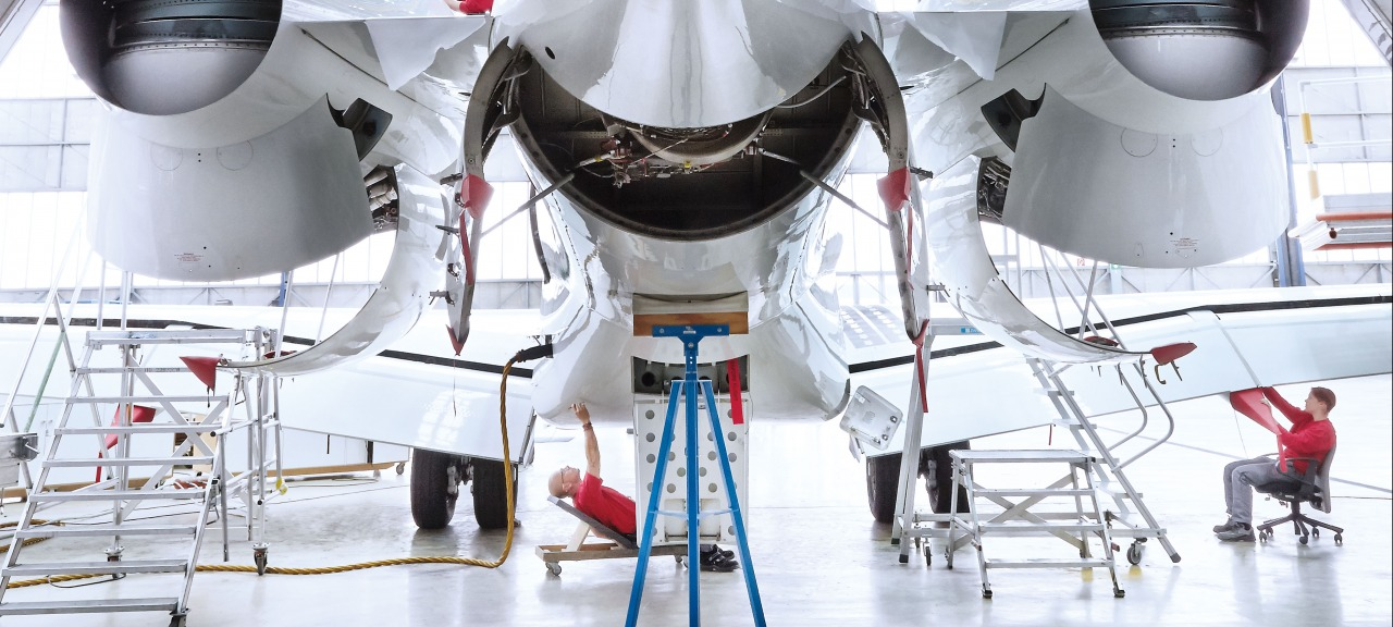 RUAG Aviation: Maintenance work on a Bombardier Global Express business jet